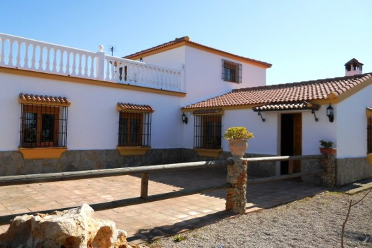 Close to Ronda – Long Term Rental, 4 Beds, Country House, Pool