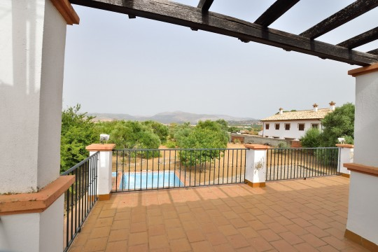 Country House, 5 Beds, 3 Baths, Pool, Orchard