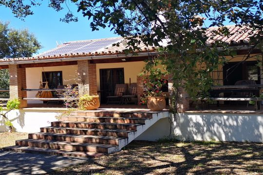 Exclusive Country House 4 Beds, 4 Baths, Pool, Views
