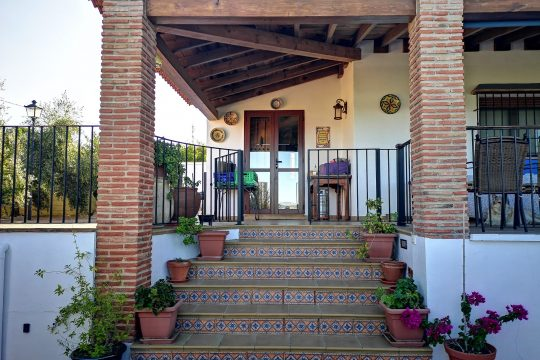 Close to Ronda Villa with pool, 2 Guest House, Outstanding Views