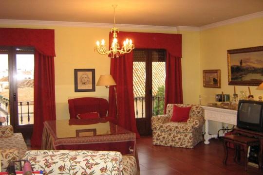 Long Term Rental, 2 Bed Apartment, Historic Quarter
