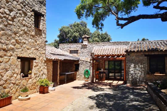 Close to Ronda – 2 Country Houses, Total 6 beds & 50.000m2 Land